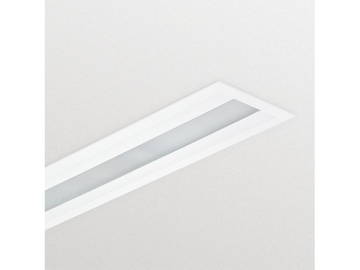 CoreLine_Recessed-RC134B_plaster_ceiling_W30L120-DPP.tif