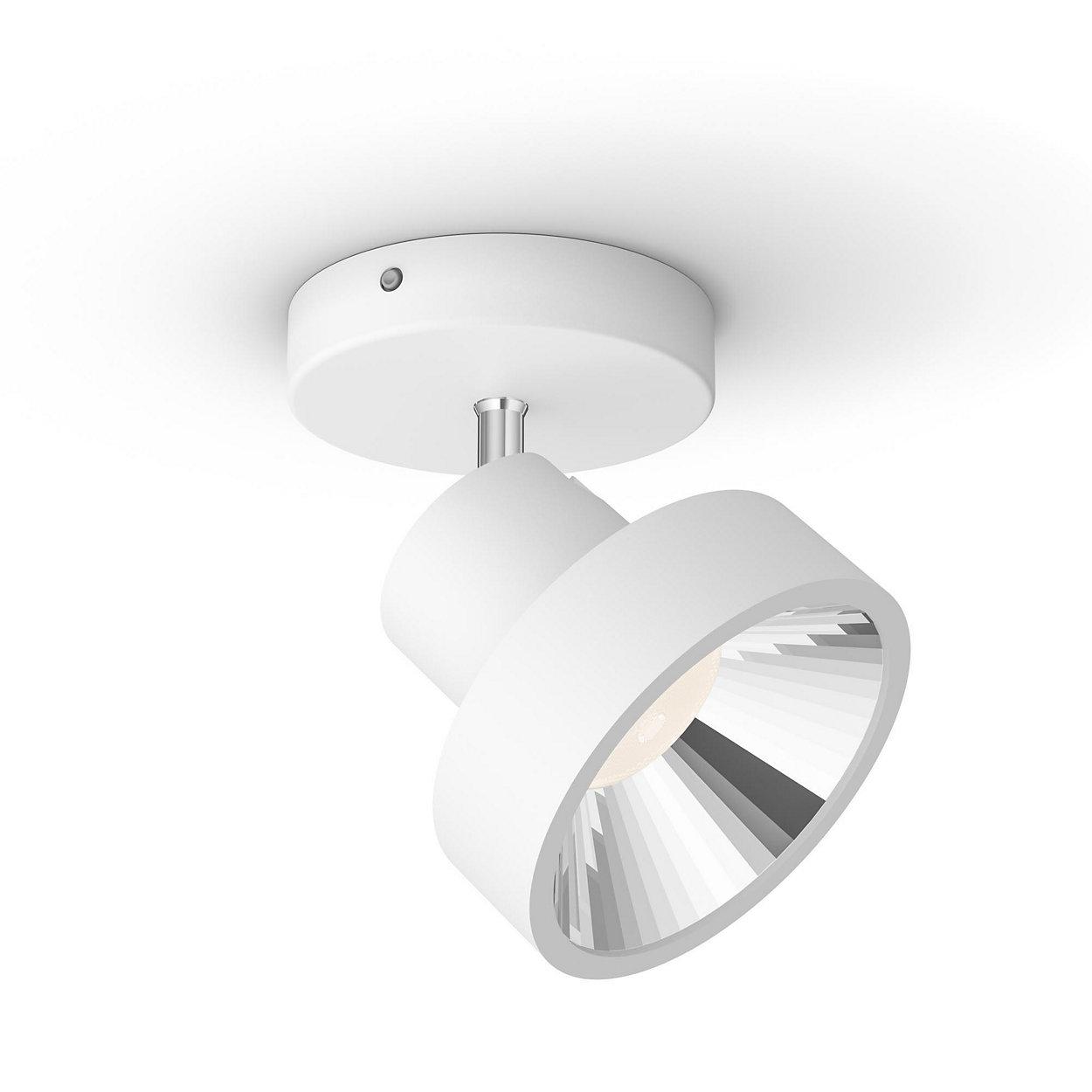 Jedna lampa, standardowy włącznik światła i trzy ustawienia oświetlenia.