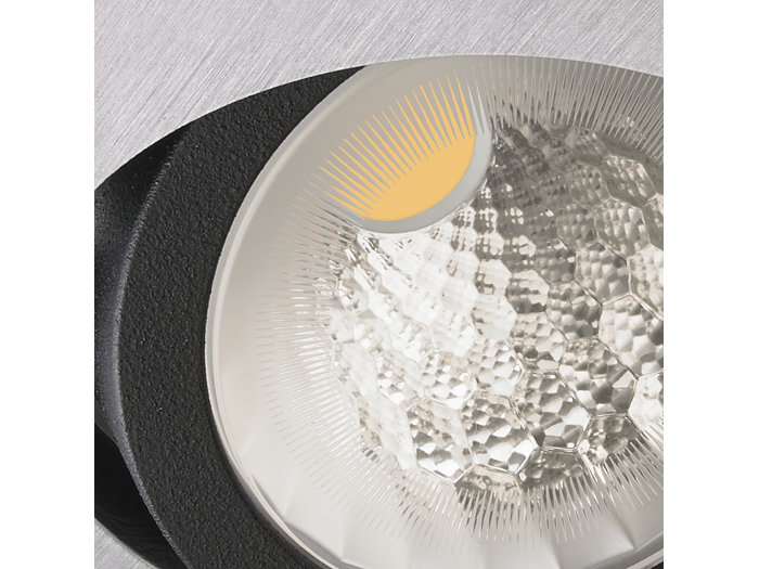 Performance by design – thanks to their specific design, the new reflectors provide best-in-class efficiency, a very clean beam, and high color uniformity.