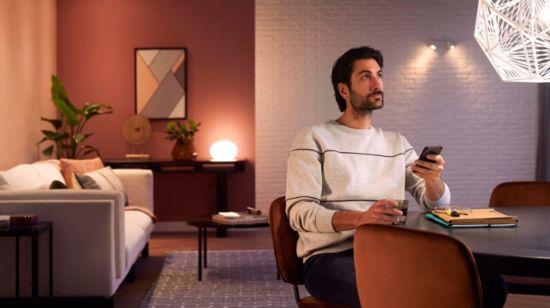 Kreiere mit warmweißem bis kühlweißem Licht die passende Stimmung.