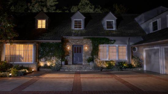 Få det til å se ut som om du er hjemme ved bruk av intelligente lys