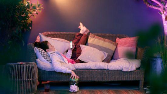 Rilassati con la luca bianca calda o fredda