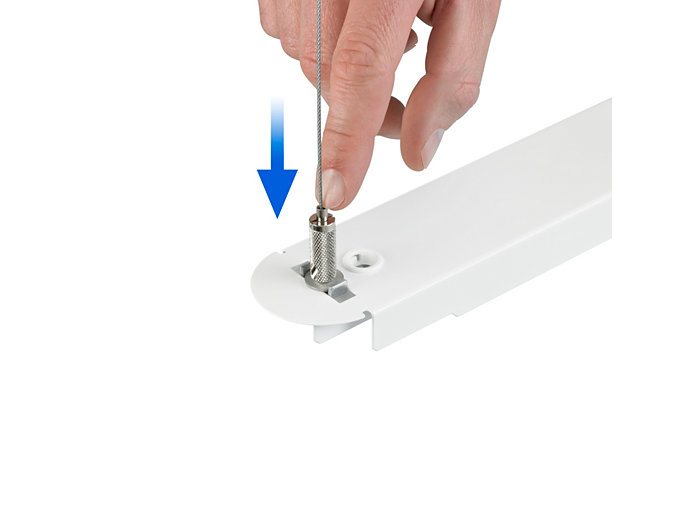 Clutch device for easy adjustment of the luminaire height