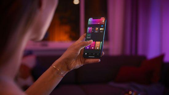 Betjen op til 10 lyskilder med Bluetooth appen