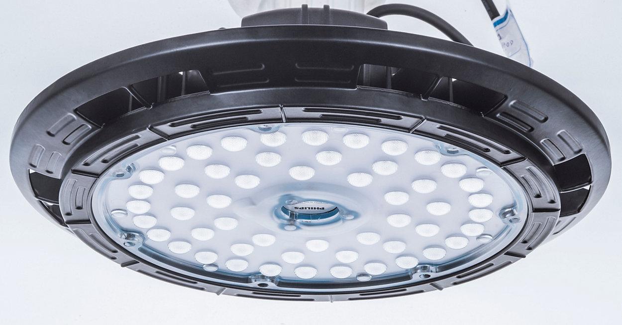 A Essential LED HighBay oferece segurança em primeiro lugar e falhas não são uma opção para uma luminária altamente eficiente.