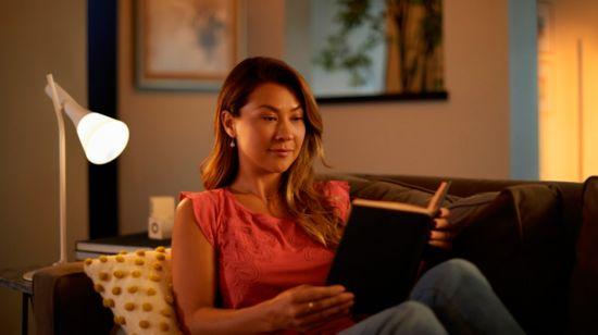 Lee con la luz inteligente adecuada